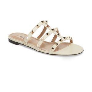 ⭐️ Valentino Rockstud sandal. Size 7